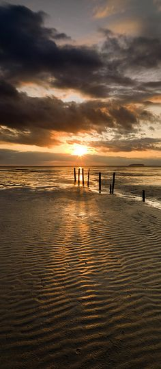 Somerset Coast, England by Peter Spencer ♥ ♥ www.paintingyouwithwords.com somerset paradis, somerset coast, sunset