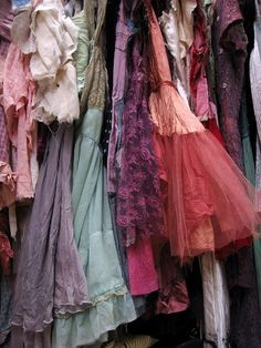 dream closets, costum, vintage closet, color, vintage lace, vintage wardrobe, dress up, dressing up, vintage clothing