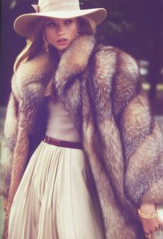 decadent winter style - fur coat + neutrals + that hat