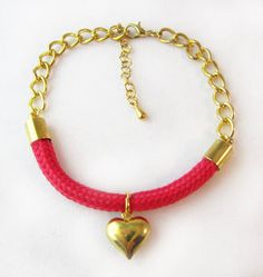 Red Heart and Chain Cord Rope Bracelet di Menoyu su Etsy, £9.00