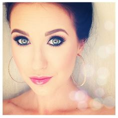I've been watching her makeup videos on YouTube literally non stop. Jaclyn Hill