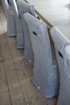 Gorgeous navy & white slips. Love the handles.