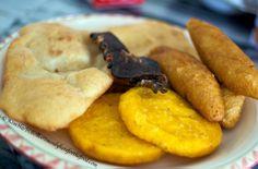Desayuno Panameño- Tortillas, Carimañolas y Hojaldre