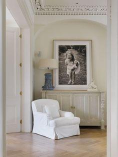 Photo Wall Display Ideas :: Wall Art Wednesday ::AQ