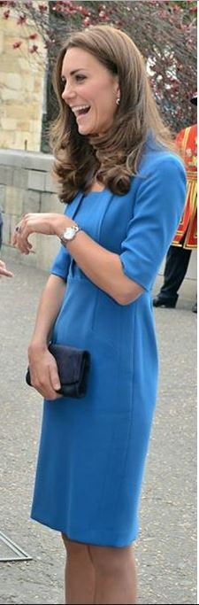 Who made Kate Middleton�s blue short sleeve dress and watch