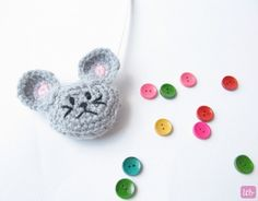 {Mouse Tape Measure Cozy} FREE pattern, so cute! thanks so xox