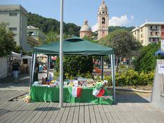 Passeggiata di Voltri / Piazza Odicini  Bancarella della Libreria di Palmaro  www.promogenova.it/libreriadipalmaro