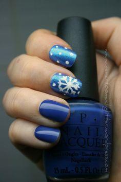 Classic navy nails with a festive twist nail art tutorials, blue, nail arttutori, christmas nails, snowflak nail, nail arts, nail tutorials, winter nails, winter nail art