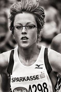 I wish I could look this relaxed while racing. And studious too.