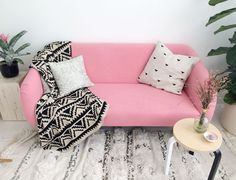 Decor idea – The Pink Couch | thefabguide...
