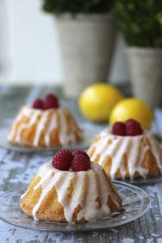 Limoncello Mini Bundt Cakes with Limoncello Glaze | a cup of mascarpone