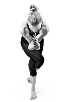 SCULPT A STRONG BODY.  BUILD A STRONG MIND.  LIVE A STRONG LIFE. by mindmuscleyoga #Yoga