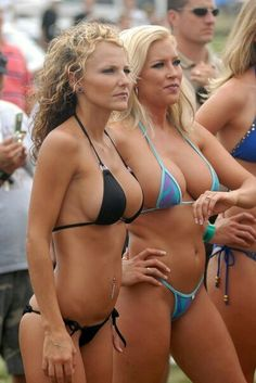 Smoking Hot MILFS