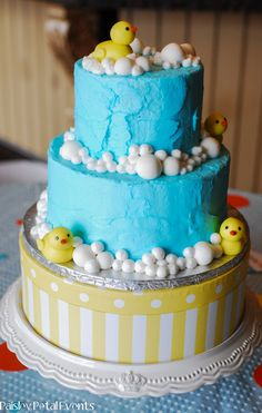 Rubber Ducky party cake - the fondant ducks and bubbles are adorable!