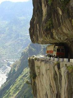 Korakaram Highway (Pakistan)... LOL! it's amazing there is a road in Bolivia that looks the same! How can two sets of people so far away make the same mistake!