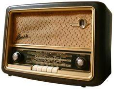 Vintage Radio:Bush VHF 61