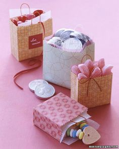 Miniature Valentine's Day Gift Bags, 2014 DIY Craft For Valentines Day