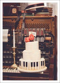 vintage weddings, piano cake, wedding ideas, the piano, music man