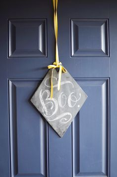 DIY Chalkboard Wreath Plaque