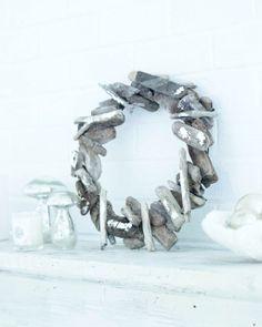 DIY: Driftwood Wreath