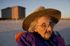 100-year-old woman sees ocean for first time: 'It brought tears'