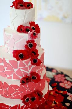 beautiful pink to red ombre wedding cake