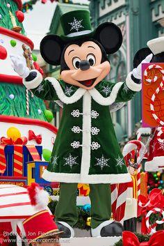 Mickey Mouse - Christmas Cavalcade