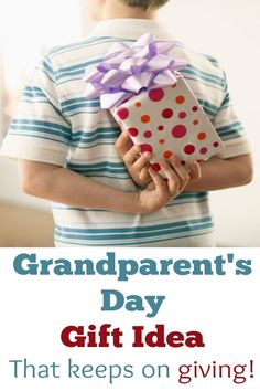 Awesome idea for a grandparent gift!   *Grandparents day is September 7th this year*