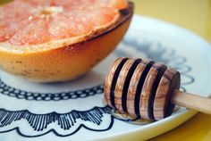 Broiled grapefruit drizzled with honey- peoniesandparsley.com