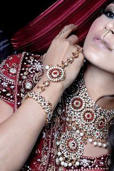 Hathphool, necklace, Indian bridal jewellery #jewerly #indianwedding