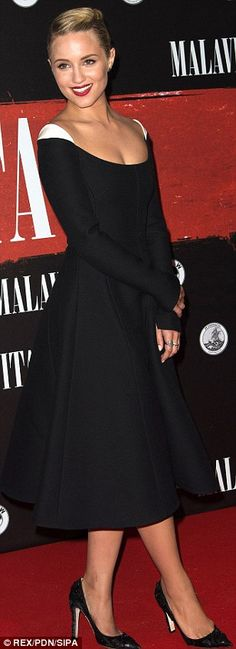 Dianna Agron wore a Valentino dress and Louis Vuitton shoes. #blackandwhite