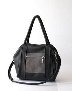 Handcrafted leather Liria Duffel bag from Opelle