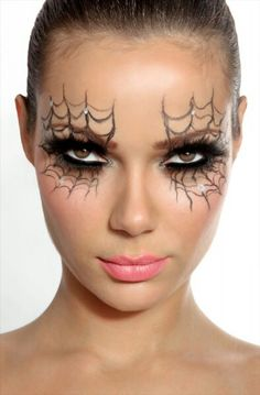 Pretty halloween makeup