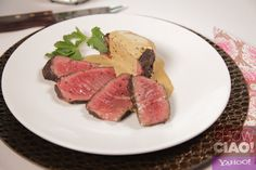 STEAK AU POIVRE from @Fabio Viviani : 9 ingredients and 15 minutes are all you need for this fancy meal!  VIDEO: http://yhoo.it/ZEqyqS TEXT: http://yhoo.it/11MZ0iU