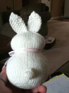 Easter Bunnies ~ Free Knitting Pattern