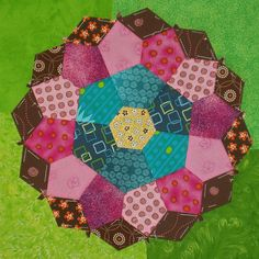 English Paper Piecing by susinoss2001, via Flickr