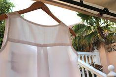 Oh, Mother Mine!! Cómo hacer y coser una blusa básica http://ohmothermine.blogspot.com.es/2012/08/blusa-blanca-basica.html
