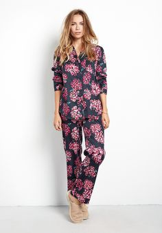 Navy and pink floral hydrangea print cotton pyjama set. Or something similar in size Small.