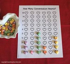 Graphing Conversation Hearts #freeprintable http://www.teaching-tiny-tots.com/toddler-math-hearts.html