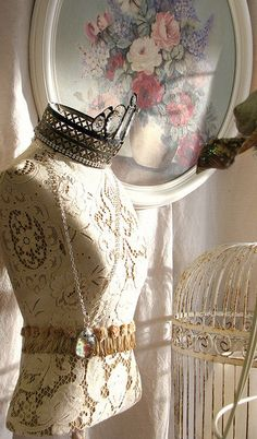 vintag, dress form, shabby chic, shabbi chic, lace cover