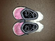 Iroquois heart - raised beadwork haudenosaunee moccasins (black velvet theme) #MyCreation :)