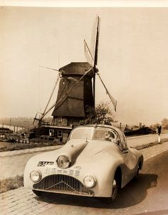 1948 Gatso Roadster - Holland's First Post-War Car. A streamlined roadster with plastic top, it was claimed to be capable of 105 miles per hour with its Ford V-8 engine.
