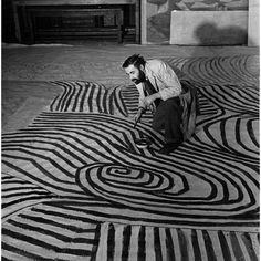 British artist Victor Pasmore at work