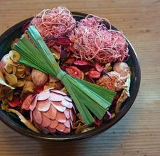 How to make scented potpourri with rice & oil. Yay!