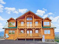 Mountaintop Lodge - Gatlinburg Cabins - Gatlinburg Cabin Rentals - Pigeon Forge Cabins #Brandcation #PigeonForge