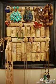 jewelry storage, wine corks, jewelry hanger, jewelry displays, jewelry boards, cork boards, picture frames, jewelry organization, jewelry holder