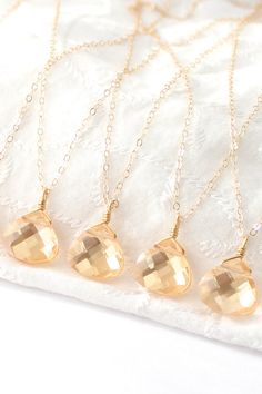 Champagne and gold bridesmaid necklaces. This would also make a beautiful christmas gift for yourself or a loved one.