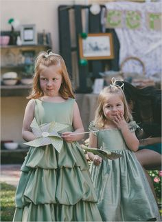 Pinwheels make for a fun and different #flowergirl accessory, perfect for outdoor weddings
