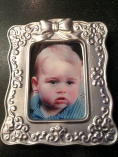 This portrait of Prince George is actually a cookie to celebrate his first birthday! cooki fit, birthday cookies, frame cooki, first birthdays, 1st birthdays, cookie recipes