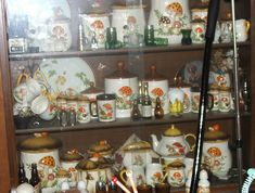 Retro 70's Canisters Merry Mushroom by 2mnedolz, via Flickr